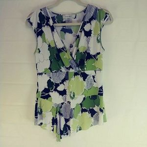 Nine West Floral Sleeveless Top M